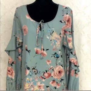 Tops - Boutique brand > Green floral long sleeve